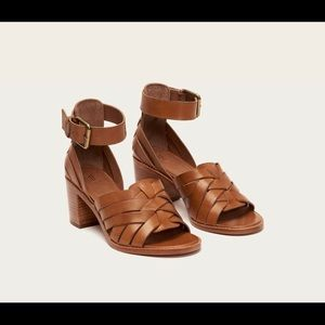 Frye leather sandals with heel. Size 7.